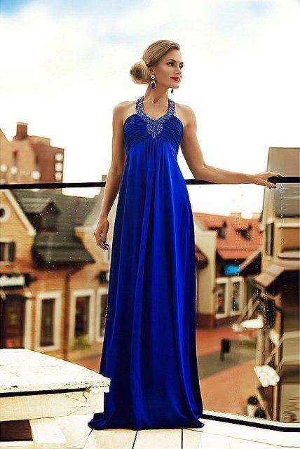 Синее платье с камнями